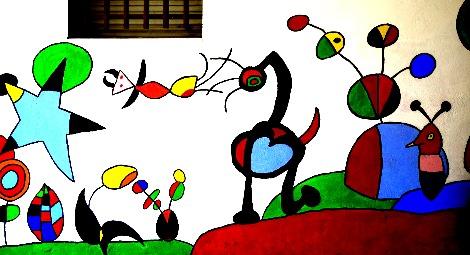 Muro con imágenes de Miró